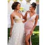 Isabella lace gown og Eline flower gown