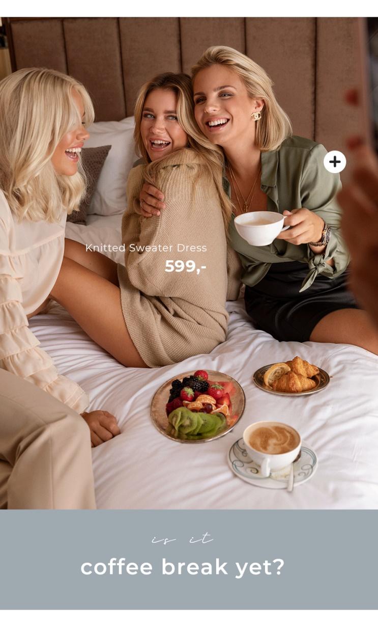 Spendera ettermiddagen med dina vänner og tanke stickat, finblus og detaljer for en skön look.