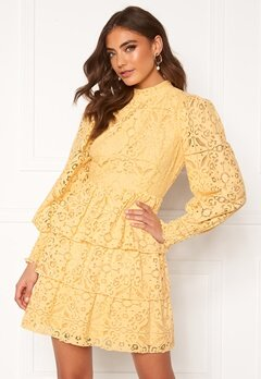 Alexandra Nilsson X Bubbleroom Lace dress Yellow Bubbleroom.no