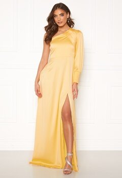 Alexandra Nilsson X Bubbleroom One sleeve gown Yellow Bubbleroom.no