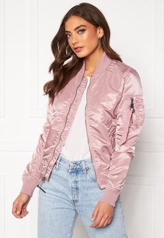 Alpha Industries MA-1 VF LW 397 Silver Pink Bubbleroom.no