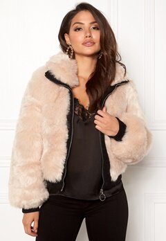 AMO Couture Amalfi Faux Fur Short Coat Soft Beige Bubbleroom.no