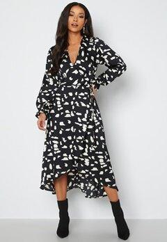 AX Paris Long Sleeve Wrap Maxi Dress Black bubbleroom.no