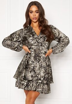 AX Paris Wrap Frill Mini Dress Snake Print Bubbleroom.no