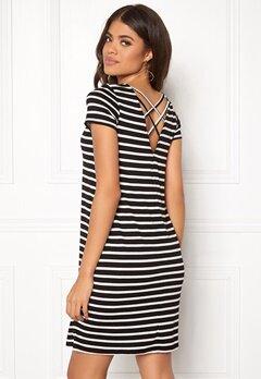 ONLY Bera Back Lace S/S Dress Black Stripes Bubbleroom.no