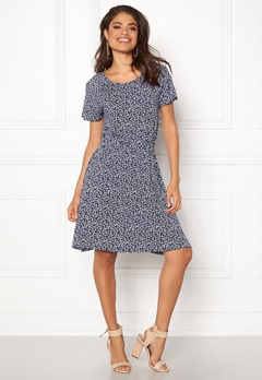 Boomerang Amira Printed Dress Midnight Blue Bubbleroom.no
