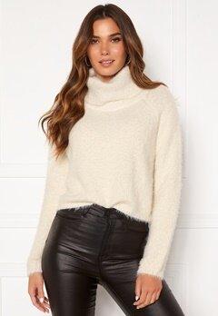 BUBBLEROOM Agnes fluffy sweater White Bubbleroom.no