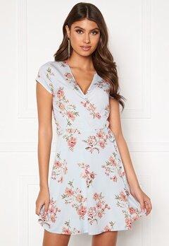 BUBBLEROOM Caylee dress Blue / Floral Bubbleroom.no