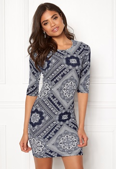 BUBBLEROOM Kecia dress White / Blue / Patterned Bubbleroom.no