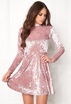 BUBBLEROOM Kenzie Velvet Dress Dusty pink Bubbleroom.no