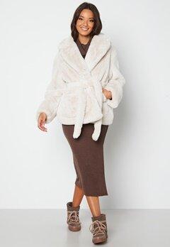BUBBLEROOM Vadah Faux Fur Jacket Light beige Bubbleroom.no