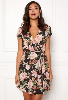 BUBBLEROOM Nadine wrap dress Black / Floral Bubbleroom.no