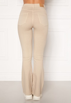 BUBBLEROOM Tove high waist flared superstretch Cream Bubbleroom.no