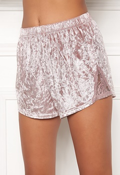 BUBBLEROOM Wilda velvet shorts Dusty pink Bubbleroom.no