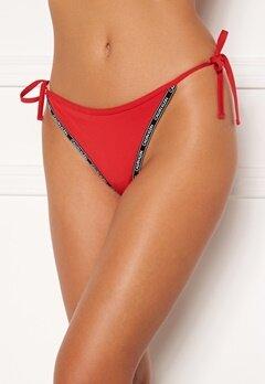 Calvin Klein String Side Tie XMK Rustic Red bubbleroom.no