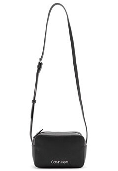 Calvin Klein Jeans Camera Bag Bax Black Bubbleroom.no