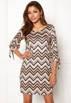 Chiara Forthi Grace Dress Navy / Zigzag Bubbleroom.no