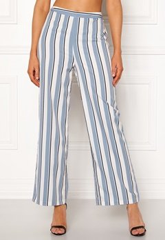 Chiara Forthi Suzette Straight Pants Striped / Offwhite / Blue Bubbleroom.no