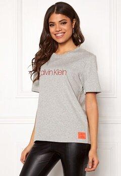 Calvin Klein CK S/S Crew Neck Grey Heather Bubbleroom.no