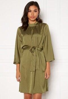 DRY LAKE Amy Dress 332 Green Olive Konf Bubbleroom.no