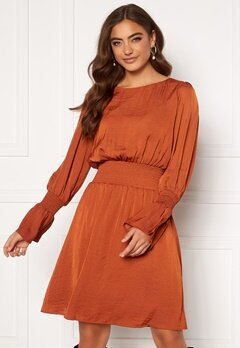 DRY LAKE Lisa Dress 620 Red Rust Satin Bubbleroom.no