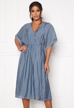 DRY LAKE Vanessa Dress 461 Blue Dove bubbleroom.no