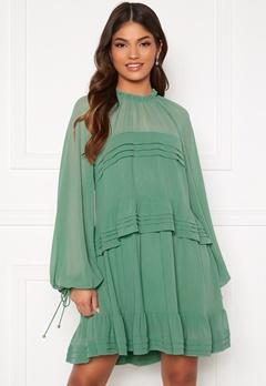 FOREVER NEW Inez Tiered Mini Dress Mint Bubbleroom.no