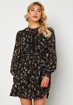 FOREVER NEW Sutton Lace Skater Dress Black Jasmine Bubbleroom.no
