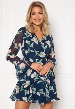Girl In Mind Kim Bell Sleeve Chiffon Mini Dress Navy Floral Bubbleroom.no