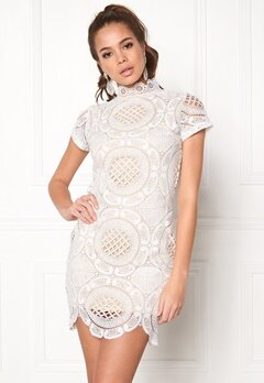 Girl In Mind Lace Dress White Bubbleroom.no