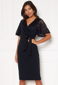 Girl In Mind Reagan Lace Wrap Belted Midi Dress Navy Bubbleroom.no