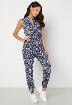 Happy Holly Adalee pocket jumpsuit Blue / Patterned Bubbleroom.no