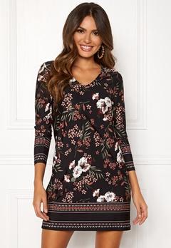 1502ca75 Happy Holly Blenda V-neck dress Black / Patterned Bubbleroom.no