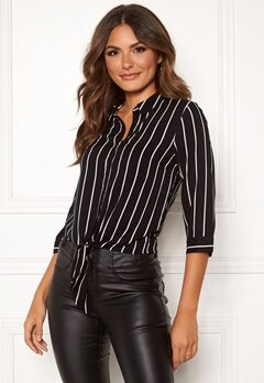 Happy Holly Juliette ss knot shirt Black / Striped Bubbleroom.no
