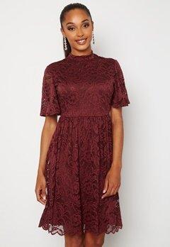 Happy Holly Li lace dress Wine-red bubbleroom.no
