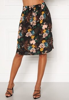 Happy Holly Lina beach skirt Black / Floral Bubbleroom.no