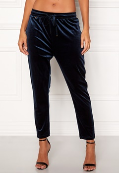 Happy Holly Pearl velour pants Dark blue Bubbleroom.no