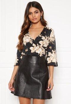 Happy Holly Simone kimono sleeve Black / Patterned Bubbleroom.no