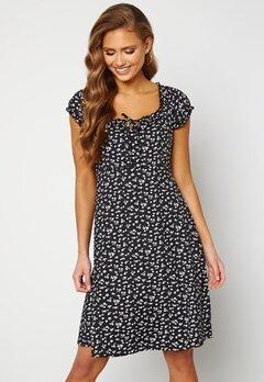 Happy Holly Tessan dress Beige / Black Bubbleroom.no