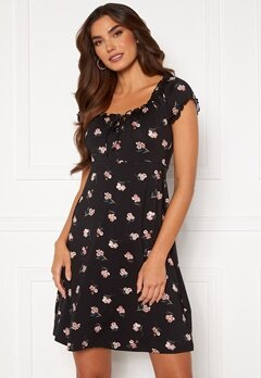 Happy Holly Tessan dress Black / Patterned Bubbleroom.no