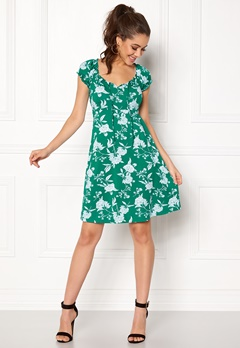 Happy Holly Tessan dress Green / Offwhite Bubbleroom.no