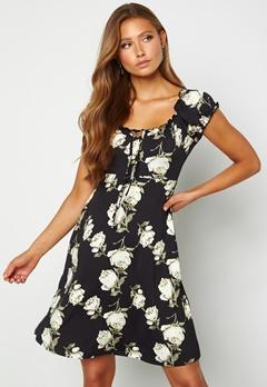 Happy Holly Tessan dress Patterned / Black Bubbleroom.no