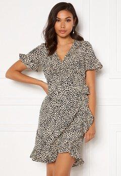 VERO MODA Henna 2/4 Wrap Frill Dress Oatmeal/ AOP: Lizzy Bubbleroom.no