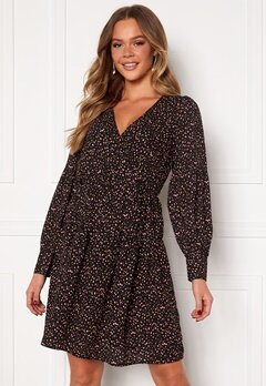 Jacqueline de Yong Caroline L/S Dress Black AOP Pastel FLo Bubbleroom.no