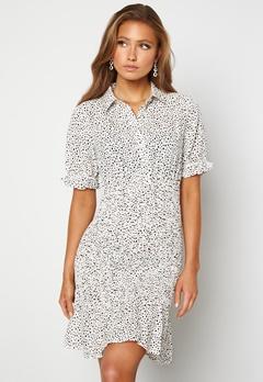 Jacqueline de Yong Dicthe Short Smock Dress White Black Dots Bubbleroom.no