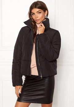 Jacqueline de Yong Erica Short Padded Jacket Black Bubbleroom.no