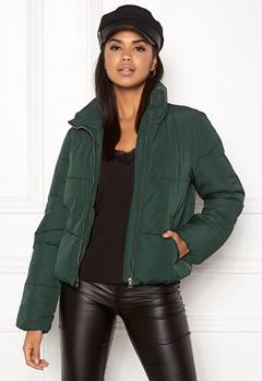 Jacqueline de Yong Erica Short Padded Jacket Ponderosa Pine Bubbleroom.no