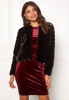 Jacqueline de Yong Evan Short Fake Fur Jacke Black Bubbleroom.no