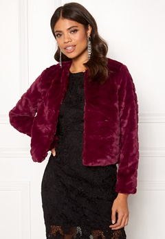 Jacqueline de Yong Evan Short Fake Fur Jacke Red Plum Bubbleroom.no