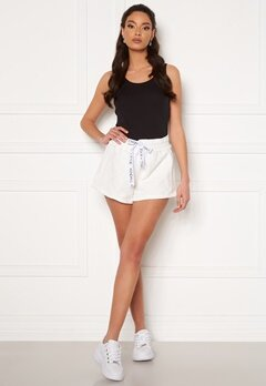 KENDALL + KYLIE K&K Active Inside Out Shorts White Bubbleroom.no